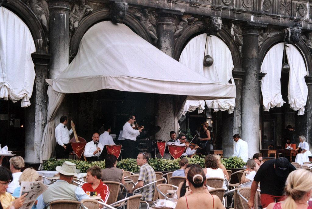 Cafe Place St Marc Venise